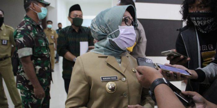 Bupati Jombang Hj Mundjidah Wahab Donasikan Gaji Selama 6 Bulan Untuk Warga Terdampak Corona