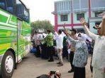 Ribuan Santri Tambak Beras Dipulangkan, Bupati Lantunkan Sholawat Tibbil Qulub