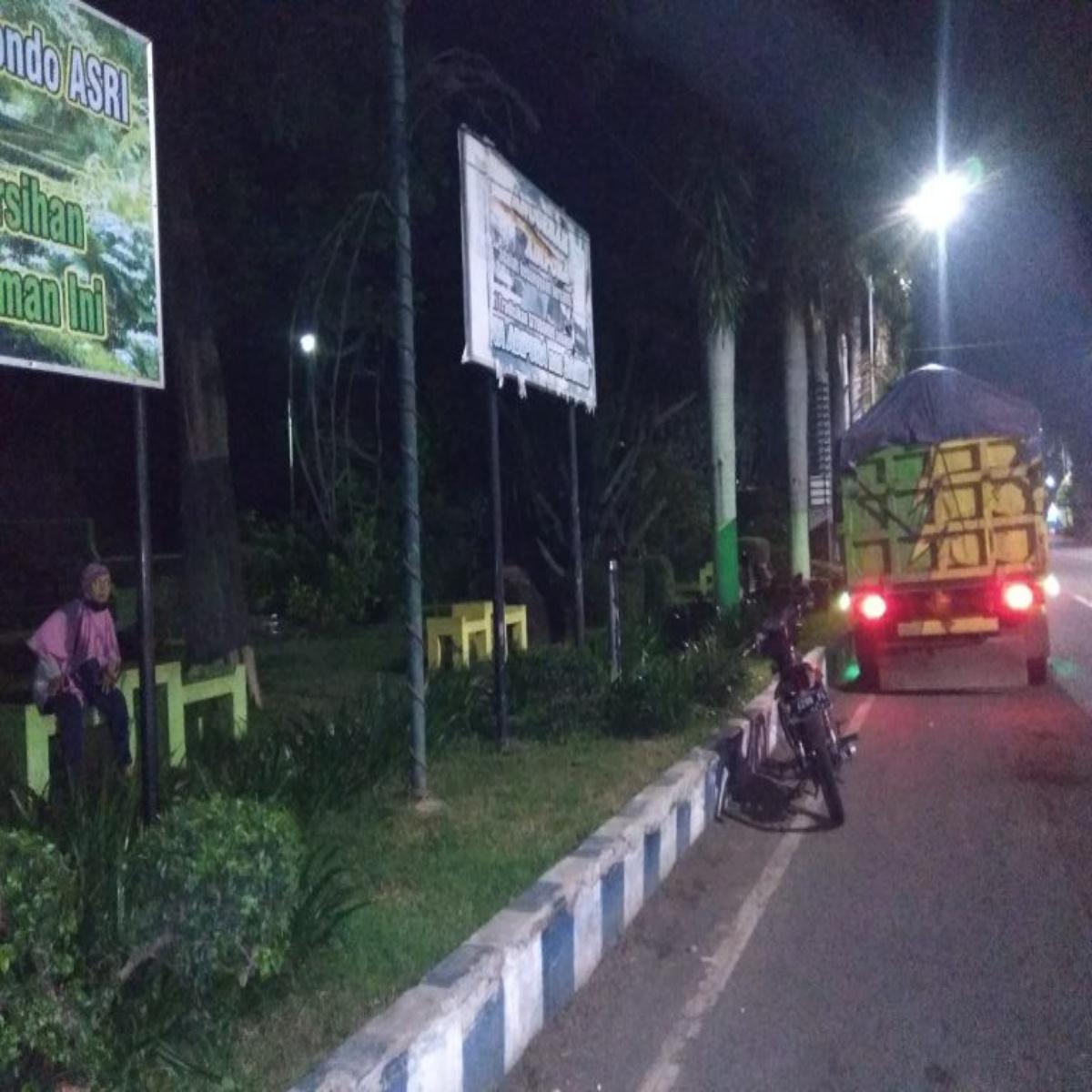 Lampu Penerangan Taman Kota Mati Potensi Jadi Ajang Esek Esek Memo Surabaya