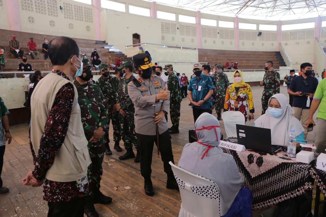 Forkopimda Jatim Sasar Vaksinasi Lansia di Magetan | Memo Surabaya