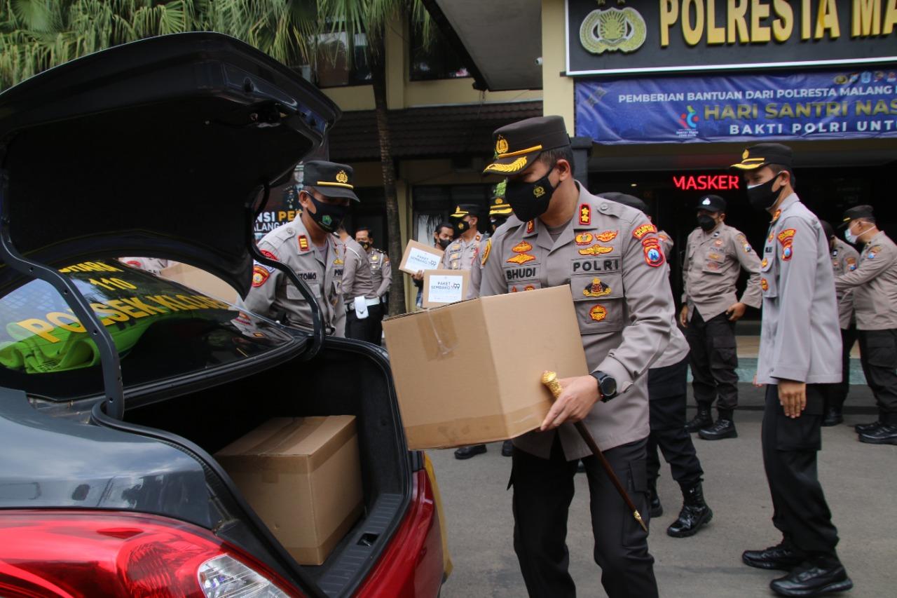 Hari Santri Nasional, Polresta Malang Kota Bagi Sembako ke Ponpes | Memo Surabaya
