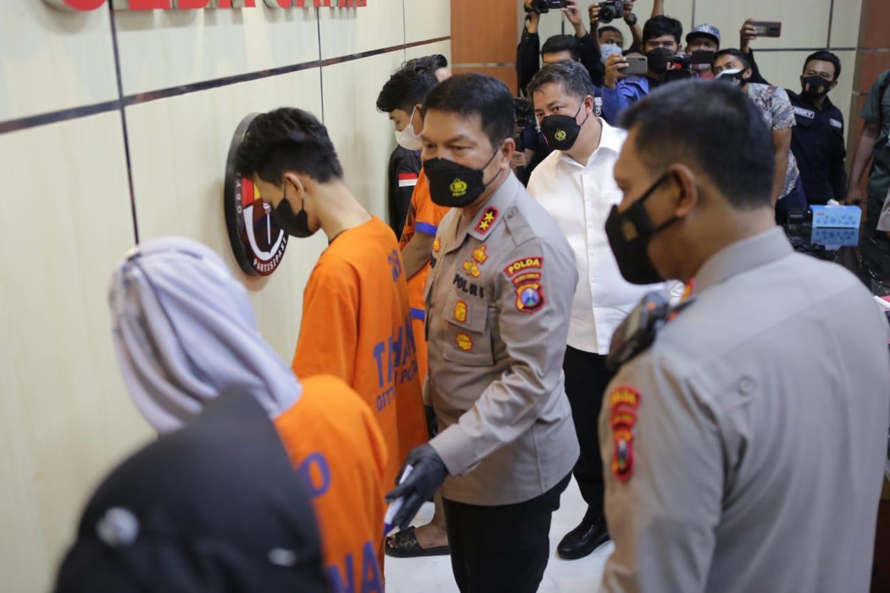 Polda Jatim Grebek Kantor Pinjol Ilegal di Surabaya dan Sidoarjo | Memo Surabaya