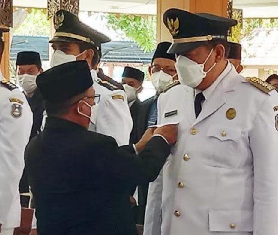 Bupati Karna Mutasi Sejumlah Pejabat Situbondo | Memo Surabaya